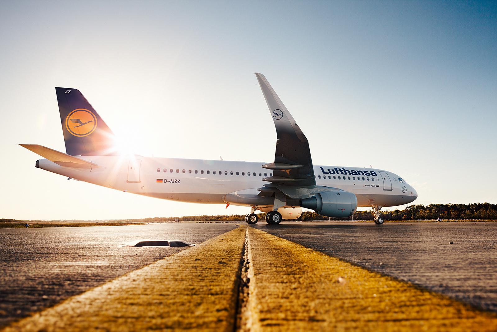 Lufthansa A320 images by Marcin Gruszczyk